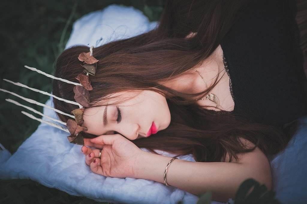 Melatonin pills can help you lucid dream