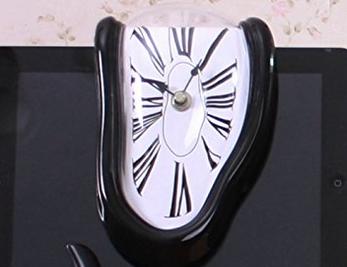 Melting clock for lucid dreamers