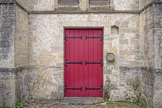 The red door in a dream